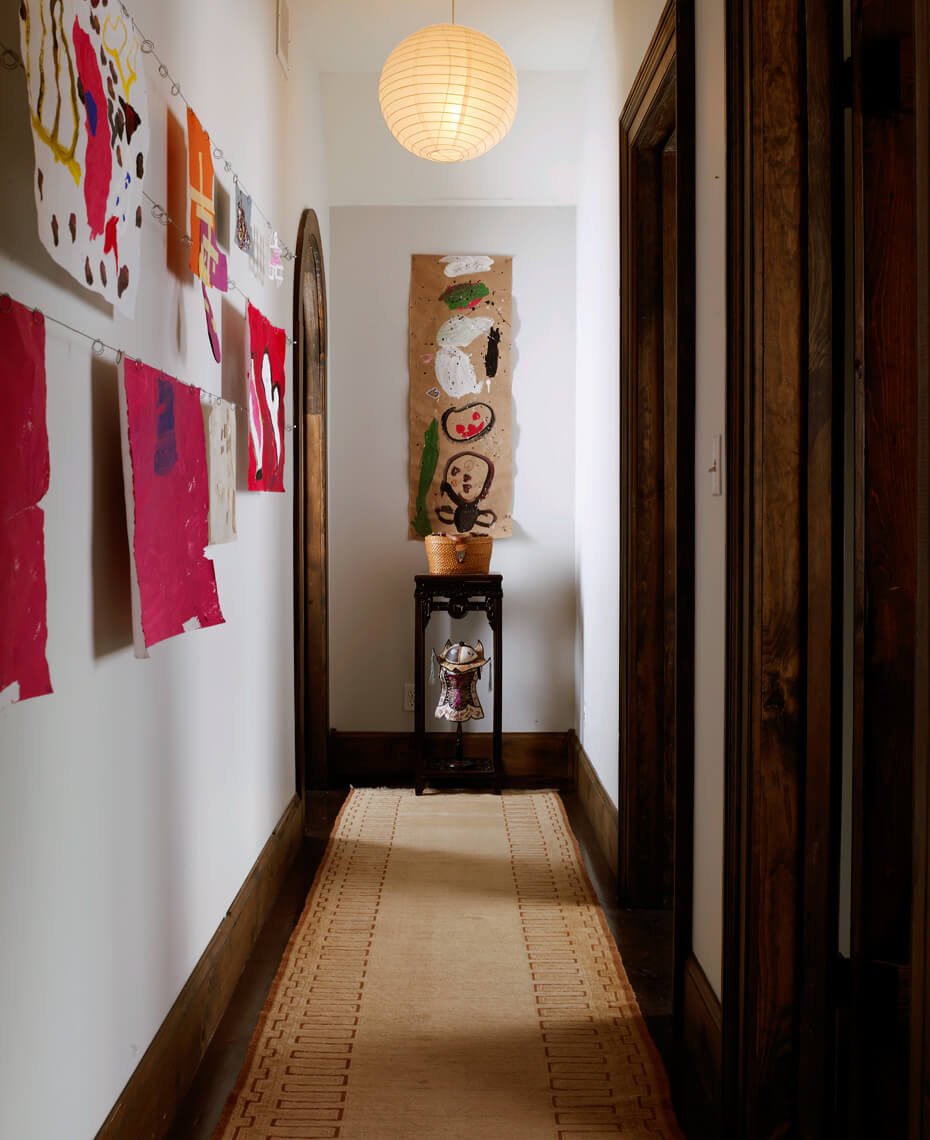 160VX_House_Beautiful_hallway